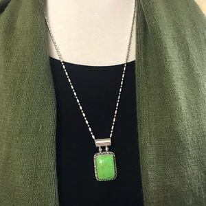 VTG Green Turquoise Pendant w/Beaded Silver Chain!
